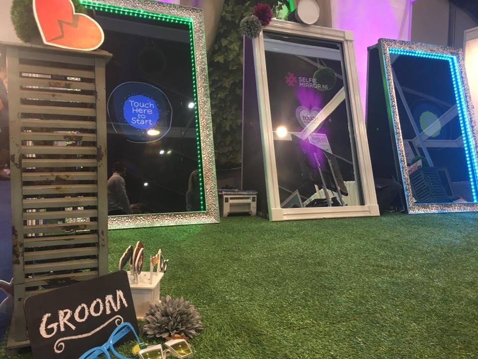 Photo Booth Vs Selfie Mirror