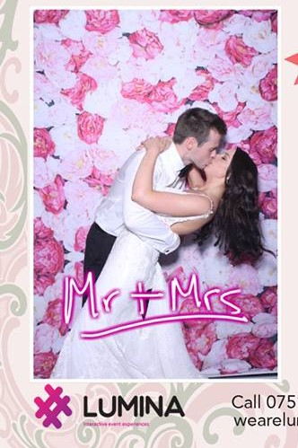 Why should you have the Lumina Selfie Mirror at your wedding?
